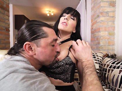 Sex-starved brunette enjoys eating cum after hardcore pussy pounding