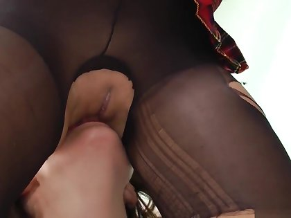 Older Brit Licking Pussy