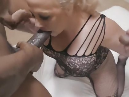 Big Booty PAWG Stunning Summer Takes on more BBC in Everyhole