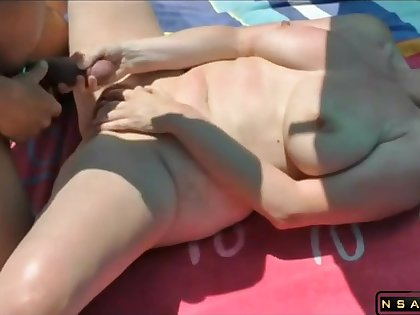 Fucked by newcomer disabuse of in the lead beach featured in homemade real amateur sexvideo