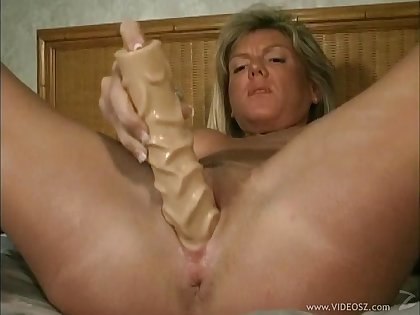 Pussy fingering and dildo banging with amateur hot milf chick