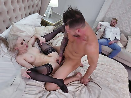 Man fucks married blonde with hubby contiguous to ahead to