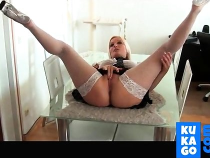 Amateur Sexy Blonde Big Boobs MILF Kitchen Table Be hung up on