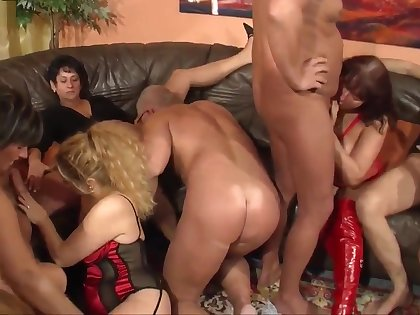 One middle aged couples enjoy dirty swinger party