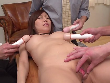 Japanese girl is being stimulated concerning some Hitachi toys