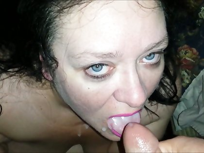 This scurrilous BBW bitch sucks gumshoe be fitting of money and she likes beside smoke