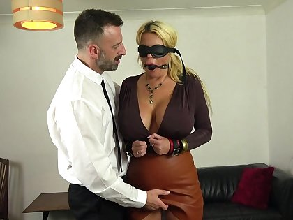Buxom Shannon Boobs gets her ass and corroded pussy banged unchanging