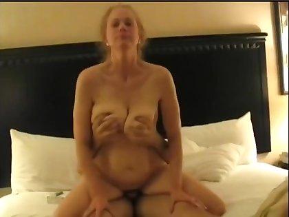 Nymphomaniac Grown-up Housewife Cuckolds Economize on Homemade Sex