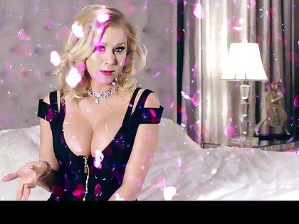 Hottest mommy in porn industry Katie Morgan enjoys petals bubble bath