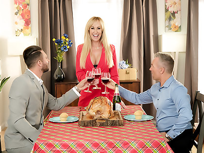 Bombshell Brandi Love is thankful be fitting of their way husband's friend's cock