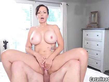 Catalina Cruz - Succulent Housewife Catalina Cruz Bounces Ass Fucking Flannel