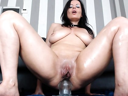 Pretty brunette loves anal feign with toys and a big horseshit