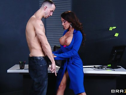 Hardcore fucking on a difficulty office table relating to stunning Capri Cavanni