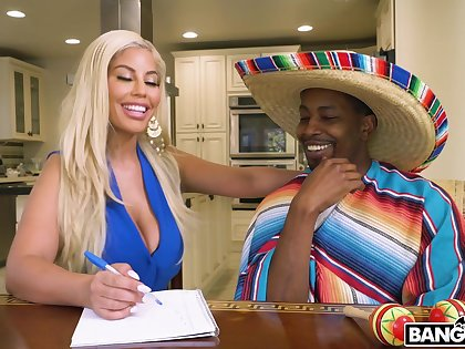Wild interracial shag on along to confines with busty fair-haired Bridgette B