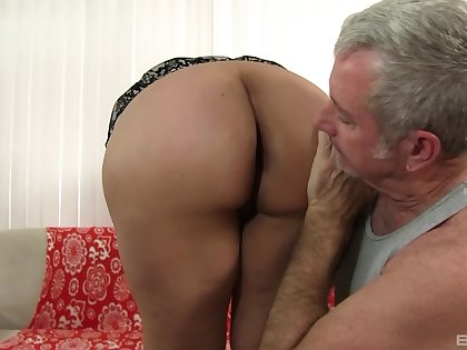Old man fucks this chubby slut until she starts begging be advisable for sperm
