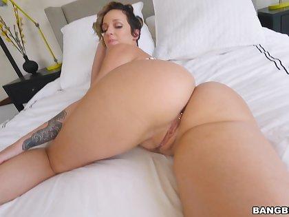 Balls deep fucking about oiled ass pornstar Jada Stevens. HD