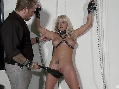 Quite a pleasure be beneficial close by this obedient blonde close by strive maledom